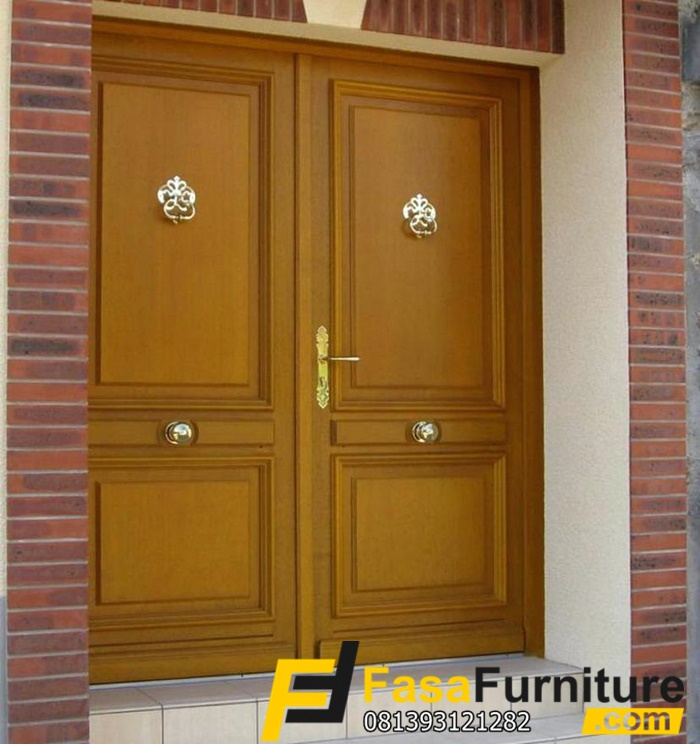 Pintu Rumah Utama Model Klasik