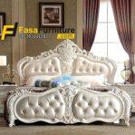 Tempat Tidur Klasik Putih Modern