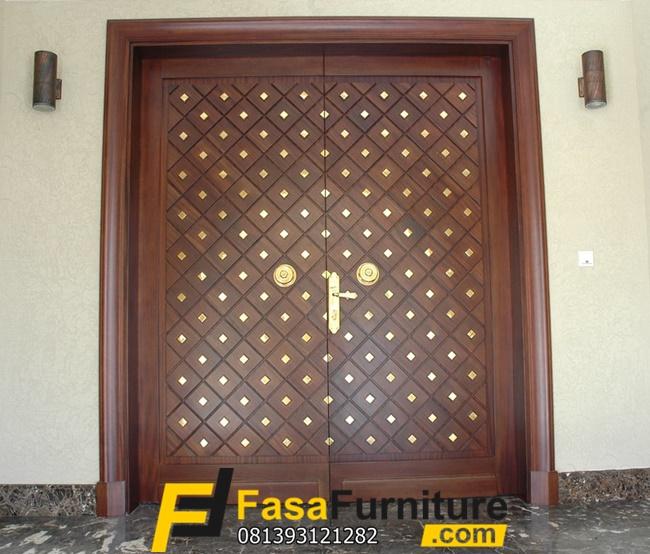 Pintu Kupu Tarung Klasik Motif Kotak Minimalis Fasa Furniture