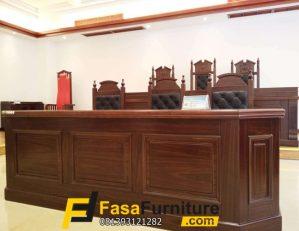 Meja Kantor Pengadilan Kayu Jati