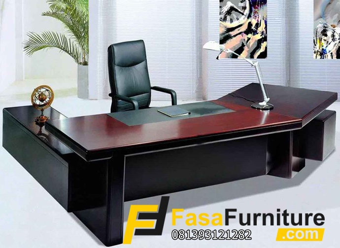 Meja Kantor Minimalis Lengkung Jati